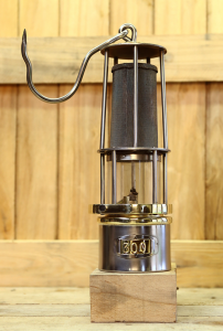 Miner safety lamp model HF