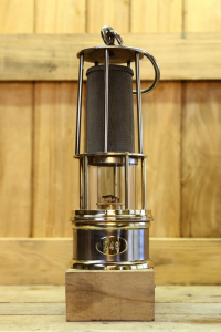 Miner safety lamp model MAF